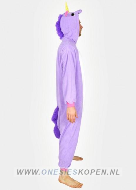 paarse unicorn onesie zij