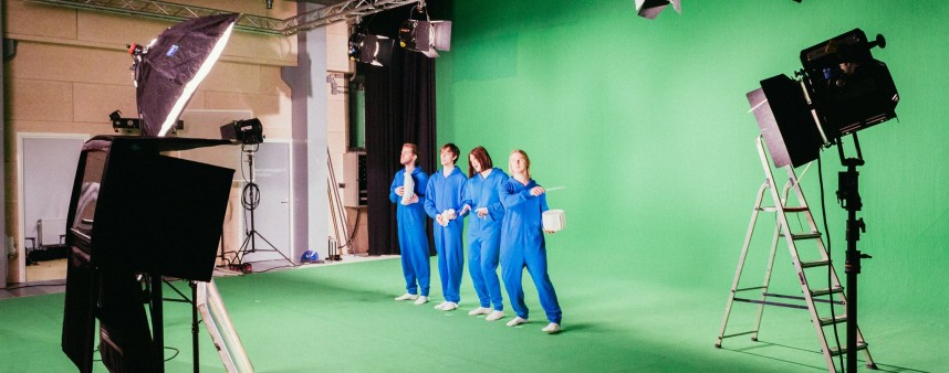TOSSO - Baby behind the scenes in onze onesies